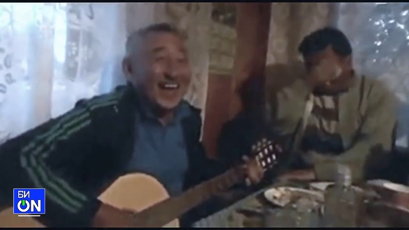 Мужик классно поёт и заразительно смеётся БОНУС (Таджик Джимми)