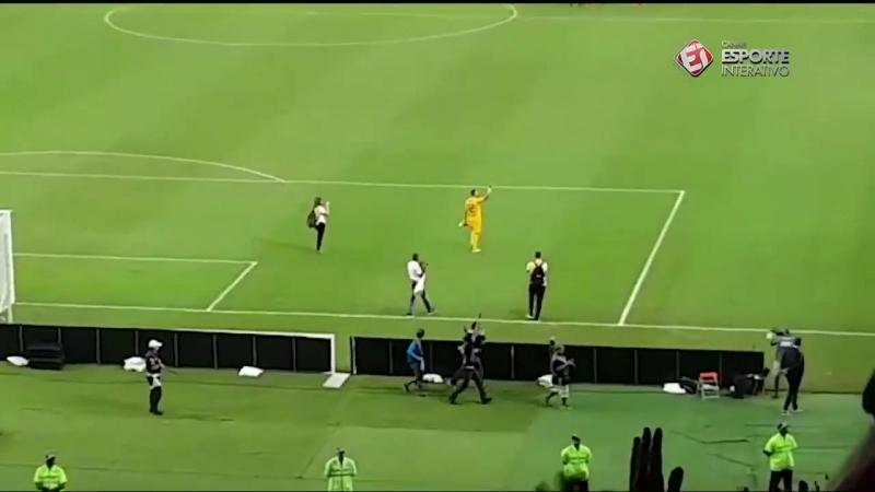 Жулио Сезар прощается с футболом