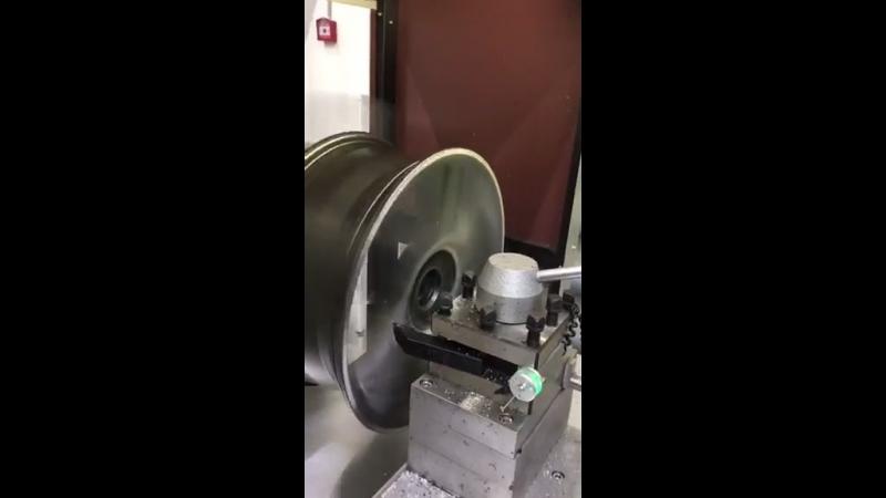 Новый станок по проточке дисков в деле!