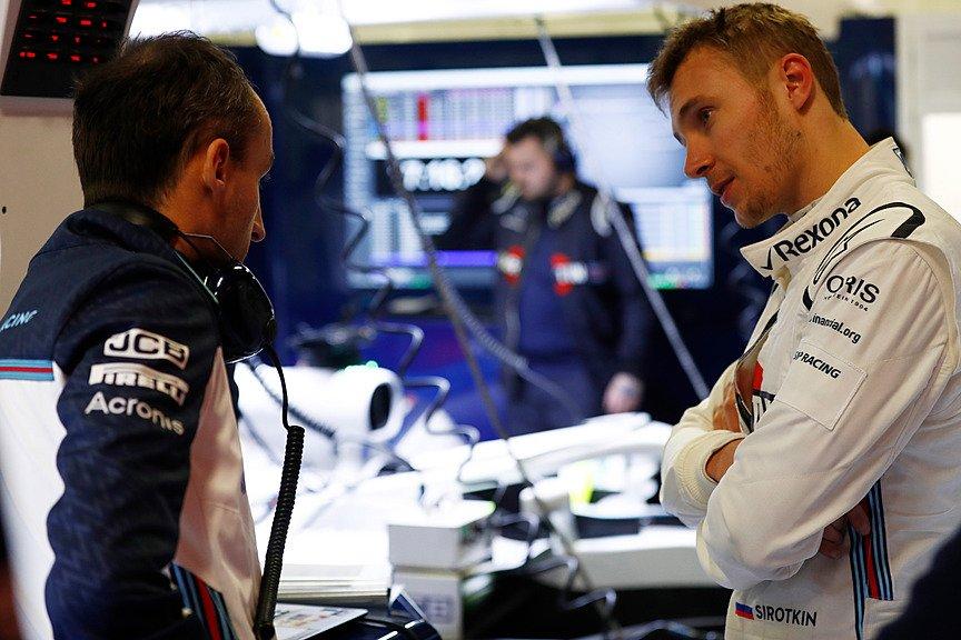 Сергей Сироткин на тестах команд Ф1 в Барселоне
