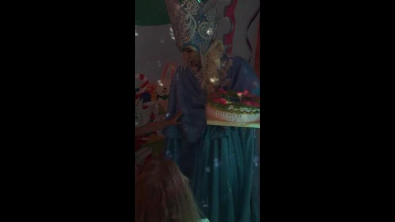 День рождения Машеньки - вынос торта