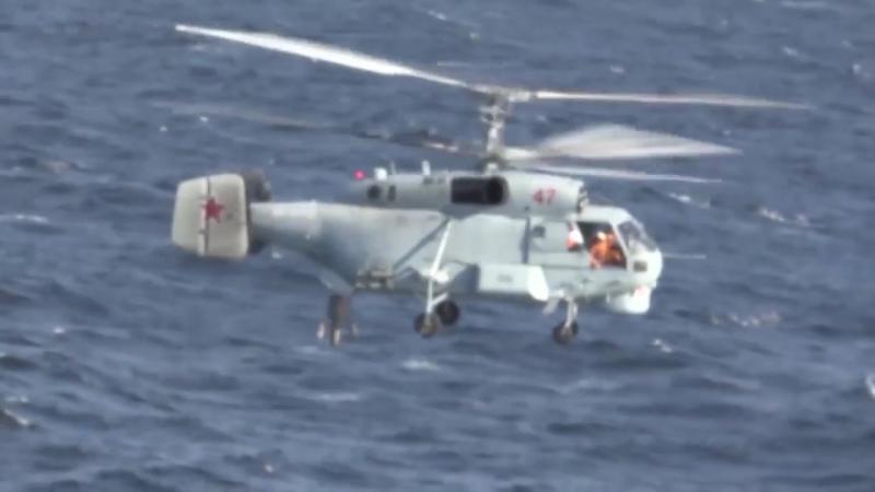 Тренировка экипажей вертолетов Ка-27ПЛ по поиску подводных лодок в Баренцевом море