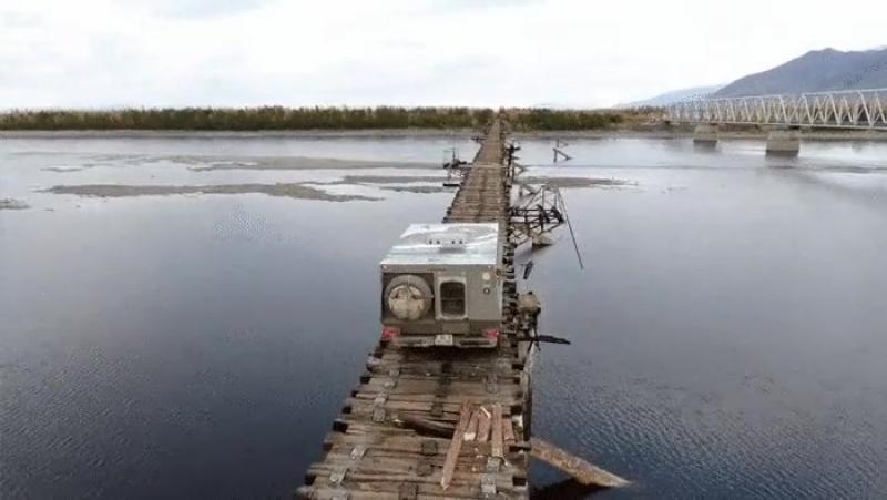 Как вам такое? Байкало-Амурская Магистраль - Мост Через Реку Витим