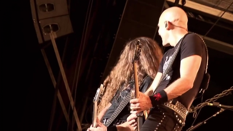 ACCEPT - Fast As A Shark - Restless And Live (OFFICIAL LIVE CLIP) (online-video-cutter.com)