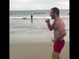 Гассиев бой с тенью на берегу