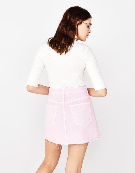 Джинсовая юбка с декоративными строчками