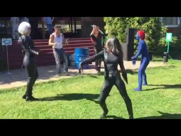 пока Танос разъебывал Мстителей
