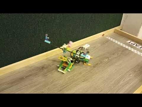 Детский центр робототехники Умник Горилла нападает на карусель