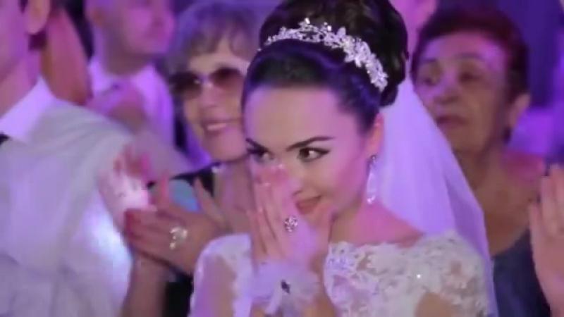 поют маме 2 цыгана на свадьбе