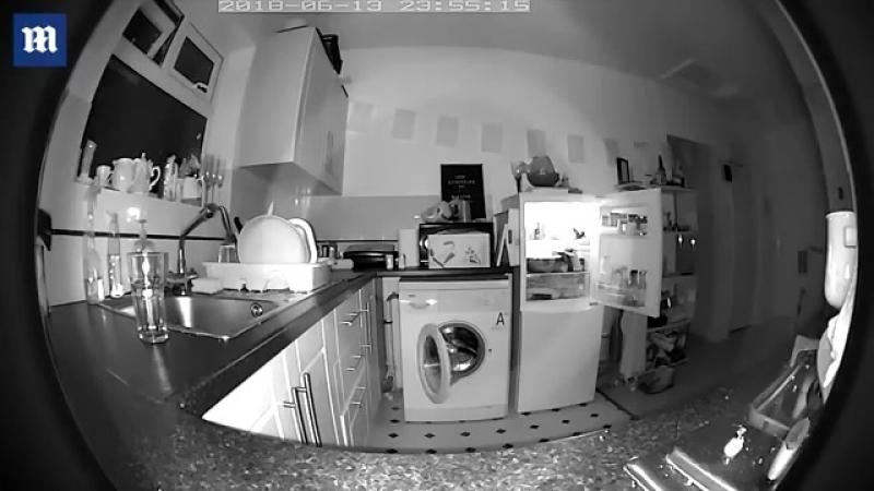 Призрак бабушки буянит на кухне