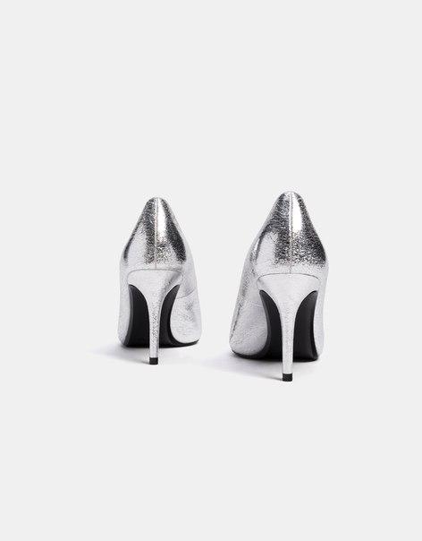 Туфли с металлизированной отделкой, на каблуке-шпильке