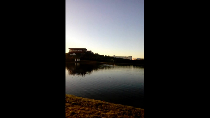 у Лебединого озера, тишина, тепло, никто никуда не спешит, просто душевно посидеть в тиши-помечтать 13.12.2017