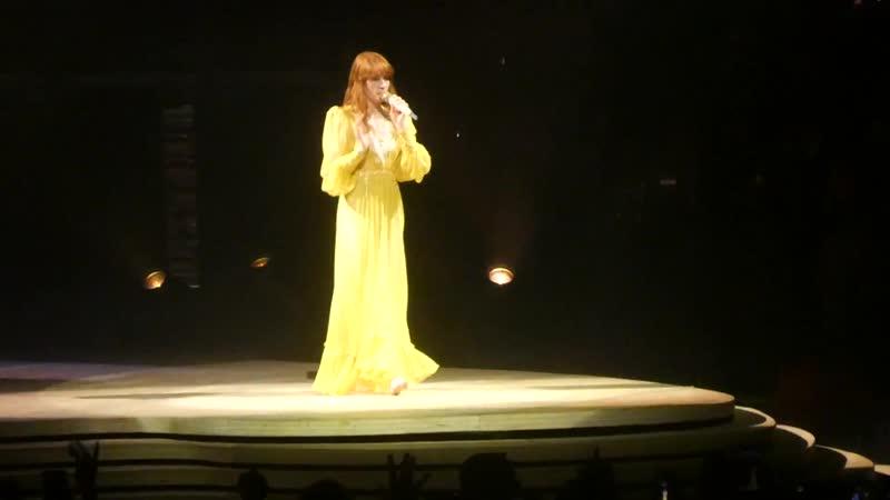 "_""No Cell Phones_⁄Jump Around _u0026 Dog Days_"" Florence _u0026 the Machine@Philadelphia 10_⁄14_⁄18"