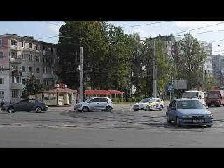 Перекресток проспекта Фрунзе с улицей Смоленской - один из наиболее оживленных в Витебске