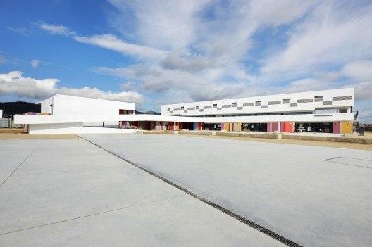 Binissalem School Complex / RIPOLLTIZON