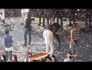 180915 Сонун Кай и Тэмин во время эндиинга на Music Bank