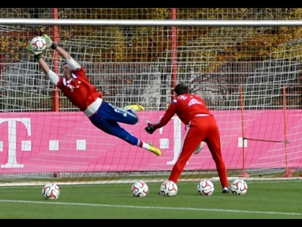 Heinz Müller - High Diving Saves - Goalkeeper Training FC Bayern Munich