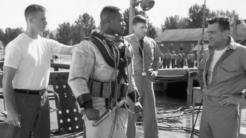 Военный ныряльщик Men of Honor