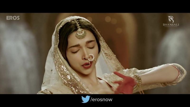 Mohe Rang Do Laal (Official Video Song) - Bajirao Mastani - Ranveer Singh Deepika Padukone