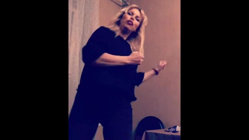 Lada_dance_officia: Мстя директору после краюхи чёрного хлеба 💃😜