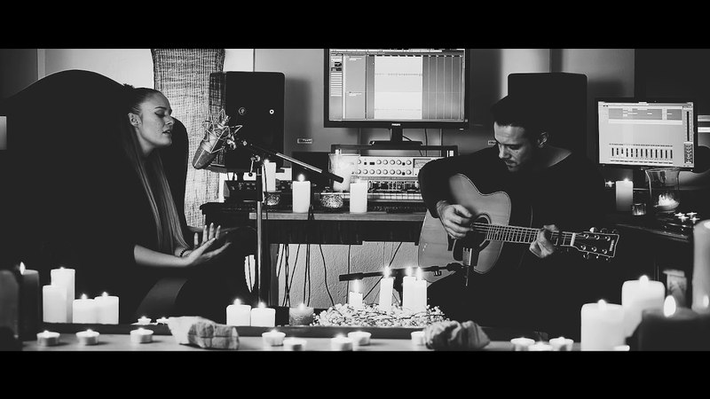 SILENT NIGHT x AIVI acoustic cover