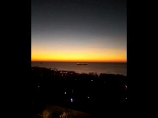 Зарево над морем