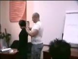 Слава Загонщик, тренер проекта РМЭС, показывает как правильно трогать девушку :)