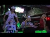 И тебя вылечим... и тебя...)))) Стриптиз шоу на барной стойке от Венеры и Киры. Ночной Клуб пепел. Ижевск