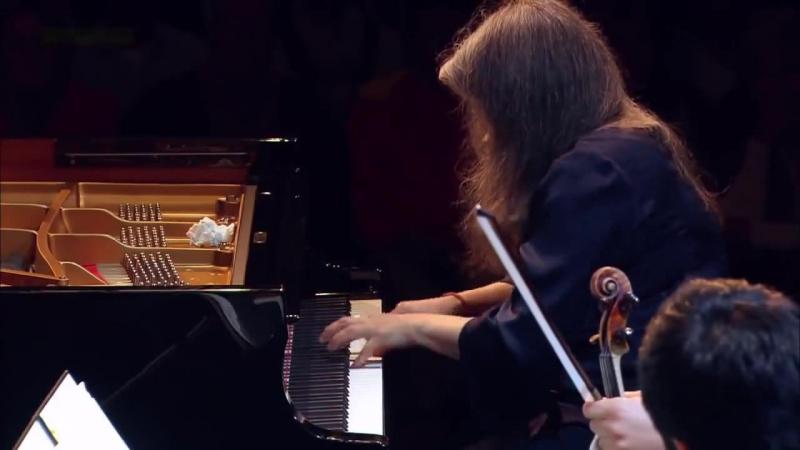 Martha Argerich играет одну из самых известных сонат Скарлатти - K.141