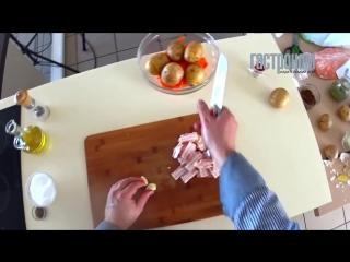 Печенные с салом картофель и морковь