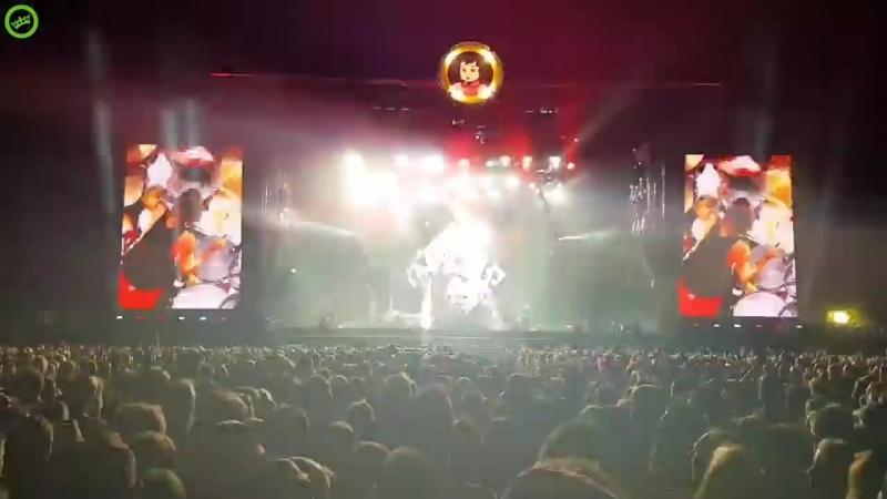 Метеорит над рок-концертом