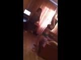 Школьницы пьяные голые на вписке танцуют в одних трусиках как дикие