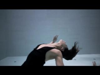 Подводная хореография исполняется в самом глубоком бассейне мира - Джули Готье