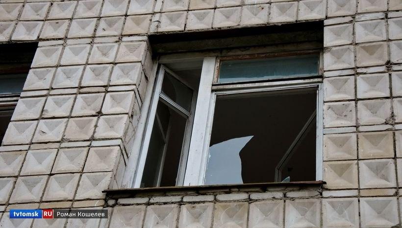 Девушка со Стрежевого выжила, выпав из окна 9 этажа