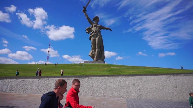 Волгоград Мамаев Курган смена Почётного Караула в Пантеоне Славы Родина Мать парк Победа стадион