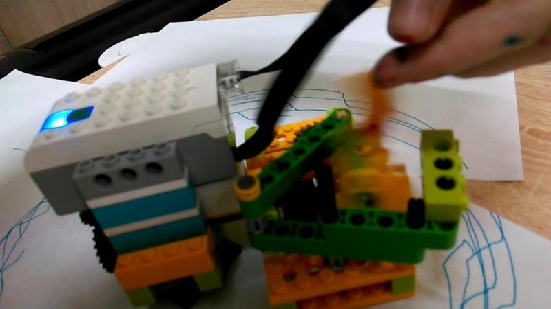 модель Машеньки П.спирограф из WeDo 2