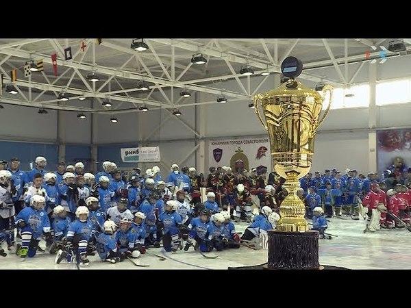 Александр Якушев, Игорь Бутман и другие «звёзды» открыли Кубок по хоккею адмирала Фёдора Ушакова
