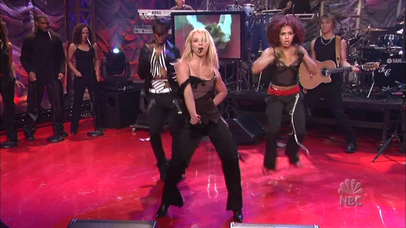 Britney Spears - Me against the music. Tonight Show with Jay Leno 2011