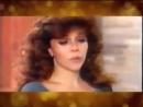 Вероника Кастро исполняет песню из сериала Богатые тоже плачут