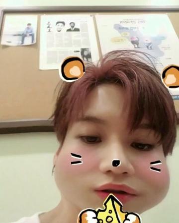 """문희준의 뮤직쇼 공식계정 on Instagram: """"당연히 태민씨도 찍어주셨죠! 샤이니 막내 5"""