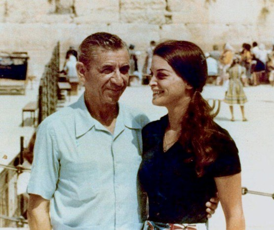 Меир Ланский с дочерью Сандрой у Стены Плача, Иерусалим, 1971 год.