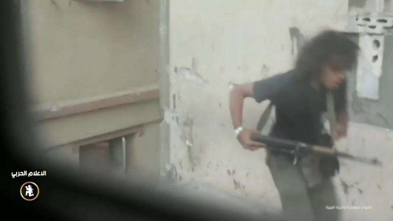 Ливийская армия в тяжелых столкновениях с моджахедами во время битвы за город Дерна