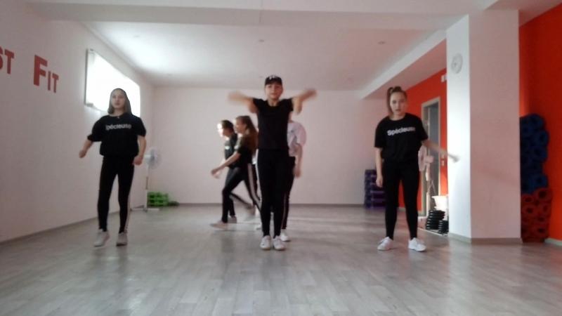 111 танец Черное и белое