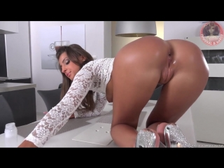 Melena Tara Beautiful Pussy