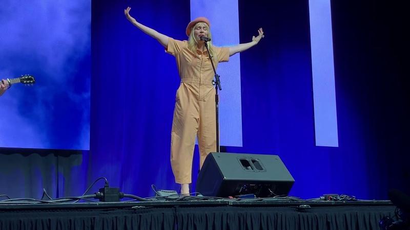Natasha Bedingfield's Unwritten LIVE! (2018) | Perez Hilton