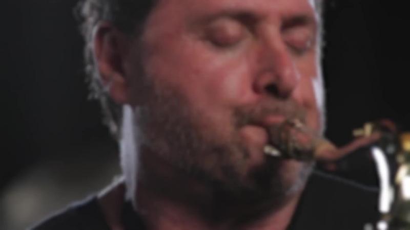 Ричард Эллиот — джазовый саксофонист из Шотландии (When I Was Your Man).