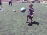 Будущая звезда мирового футбола!