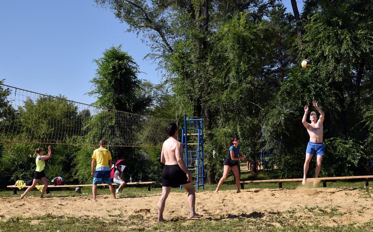5dgkDnWoMuo - В Белово в день физкультурника прошли масштабные «Молодецкие игры». На