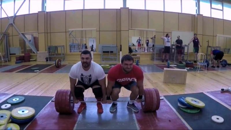 Дмитрий Клоков и Дмитрий Берестов в месте толкают 225 кг и 245 кг