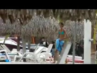 Анорексия на пляже!